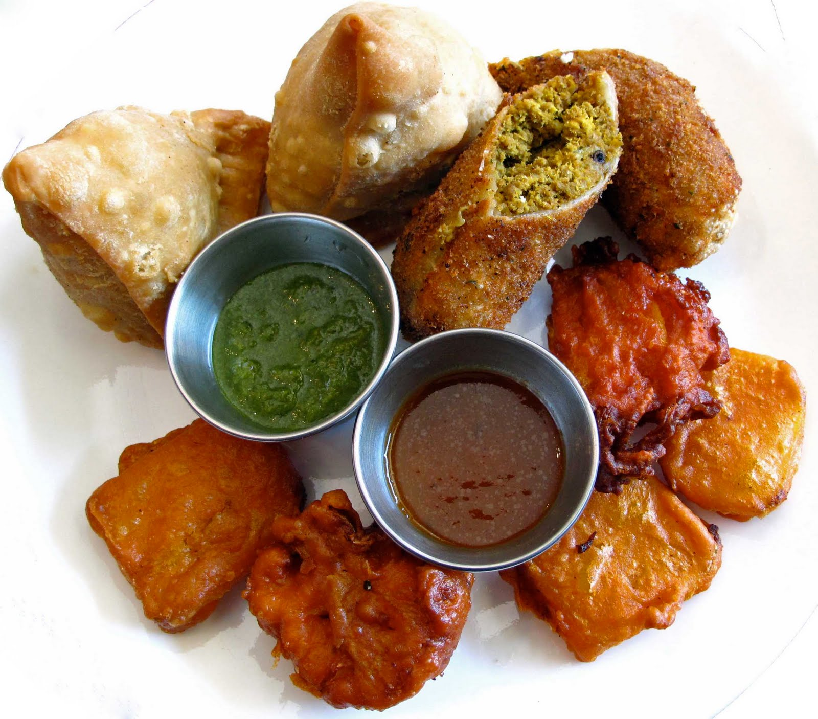 Pakora indian appetizer samosas